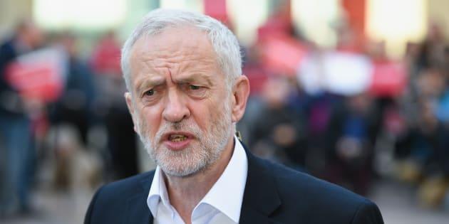 Gran Bretagna, May convinta di poter formare governo, alle 13,30 dalla regina