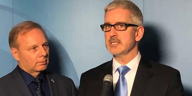 Jean-Martin Aussant avec le chef du Parti québécois, aussi chef de l'opposition officielle du Québec, Jean-François Lisée.