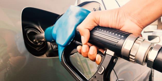 À peine 2% des Québécois accepteraient de payer le montant nécessaire pour une taxe carbone qui permettrait d'atteindre les objectifs de la province en matière de réduction des gaz à effet de serre, selon le sondage.