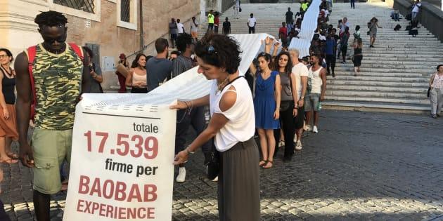 Roma, la protesta dei migranti in Campidoglio: