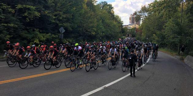 Des cyclistes avaient occupé la voie Camillien-Houde au lendemain du décès de Clément Ouimet.