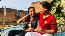 En la India rural, una pareja de lesbianas intenta hacer una vida