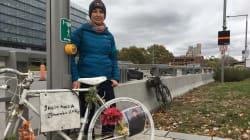 Un vélo blanc à la mémoire du cycliste Clément Bazin à