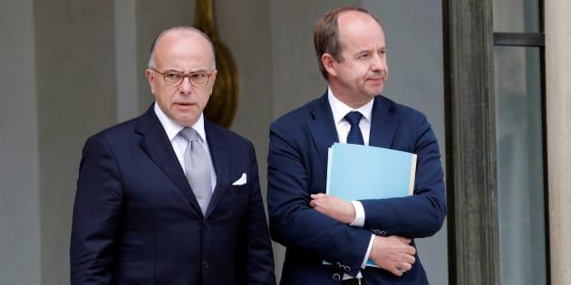 Le ministre de la Justice Jean-Jacques Urvoas et le premier ministre Bernard Cazeneuve