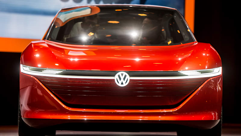 photo image VW trying to get automakers to agree on self-driving car standards