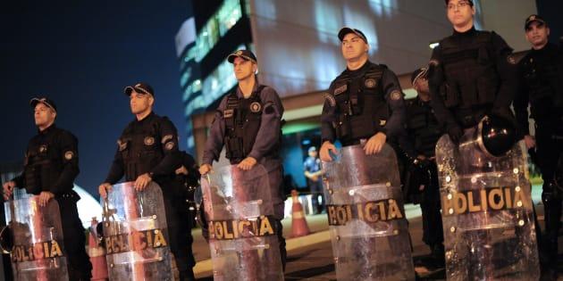Em São Paulo, a polícias e as delegacias enfrentam déficit de pessoal.