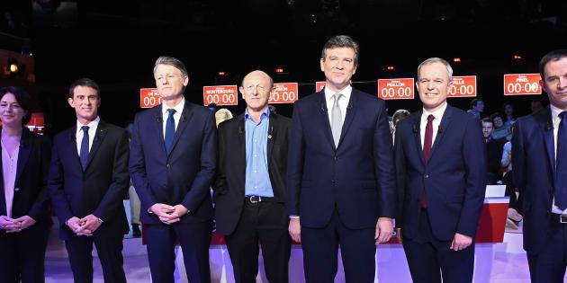 Les candidats à la primaire de la gauche lors du deuxième débat, le 15 janvier 2017. REUTERS/Bertrand Guay/Pool