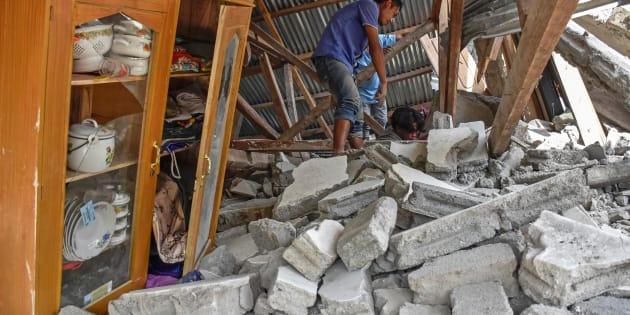 Indonesia - Forte scossa di terremoto di M 6.4. Danni e vittime