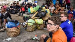 Más de 500 montañeros, entre ellos cinco españoles, atrapados en Indonesia tras el