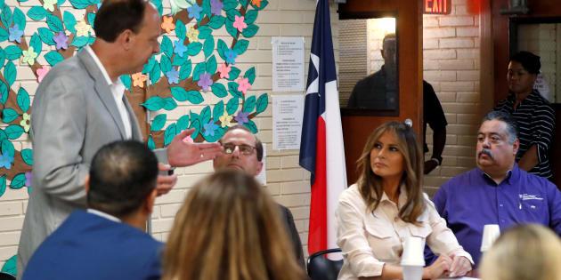 Melania Trump à la frontière avec le Mexique pour rencontrer des familles de migrants