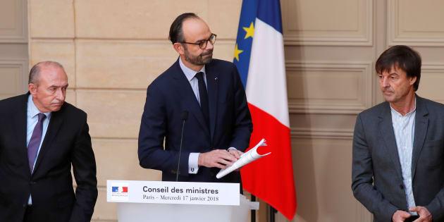 Nicolas Hulot aux côtés du premier ministre Edouard Philippe et du ministre de l'Intérieur Gérard Collomb.
