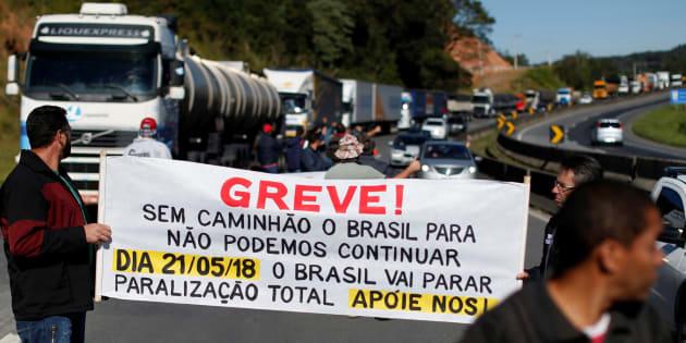Caminhoneiros avisaram ao governo em 16 de maio que poderiam parar. Sem resposta, iniciam a greve na segunda-feira (21).