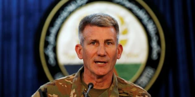 El general John Nicholson, comandante de las fuerzas de Estados Unidos en Afganistán, habla durante una conferencia de prensa en marzo de 2017.