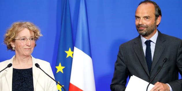 Le Premier ministre Edouard Philippe et la Ministre du Travail Muriel Pénicaud lors d'une conférence de presse à Paris pour annoncer les réformes concernant le code du travail, le 6 juin 2017.