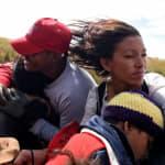 Las mentiras y verdades reveladas por nuestra reacción a la Caravana
