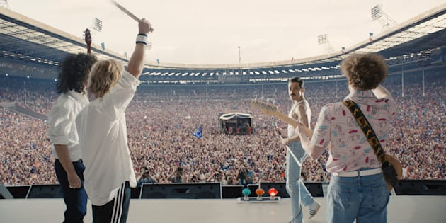 Gwilym Lee (Brian May), Ben Hardy (Roger Taylor), Rami Malek (Freddie Mercury), and Joe Mazzello (John Deacon)protagonizan la película.