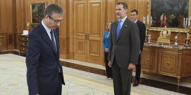 Pablo Hernández de Cos promete su cargo como gobernador del Banco de España ante el rey Felipe VI, en presencia del presidente Pedro Sánchez y de las ministras de Economía, Nadia Calviño, y de Justicia, Dolores Delgado.