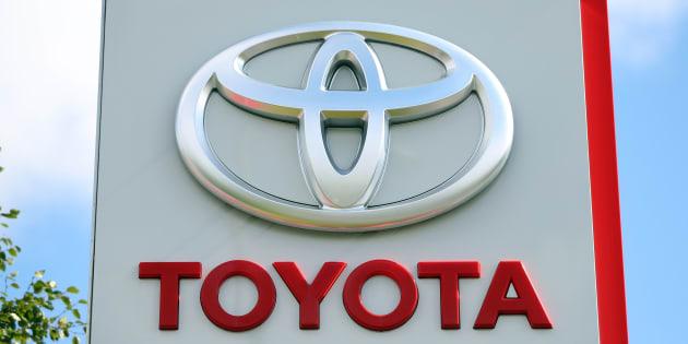 Après l'accident mortel d'un Uber, Toyota arrête ses tests de voitures autonomes.