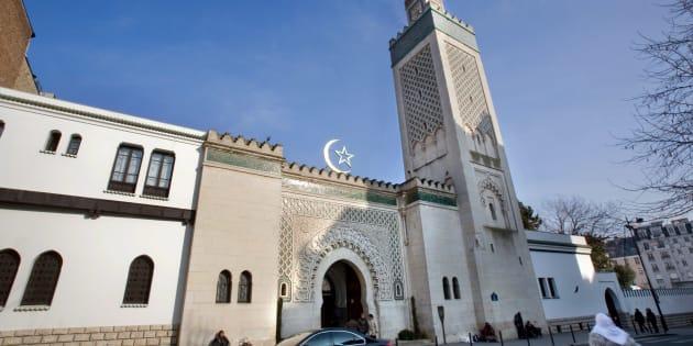 Un homme armé d'un couteau interpellé devant la Grande mosquée de Paris