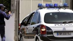 Emboscada a policías nacionales en La Línea con lanzamiento de piedras y cócteles