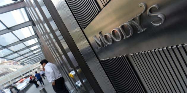 Moody's downgrades top South African banks and insurers