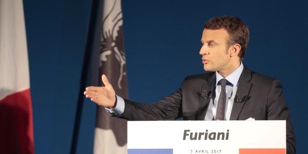 Emmanuel Macron lors de son déplacement en Corse pendant la campagne présidentielle.