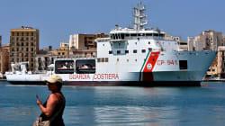 Un navire des garde-côtes italiens bloqué au large de Lampedusa avec 177 migrants à