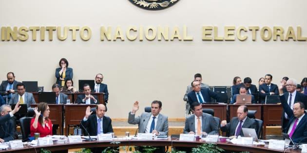 INE busca multar a partidos políticos por 536.5 millones de pesos