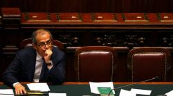 Fra minacce di dimissioni e spifferi sulla prossima manovra, riparte l'assedio a Tria da parte del partito della spesa (di B....