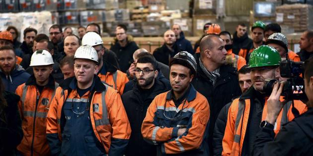 Des travailleurs de l'aciérie Ascoval de Saint-Saulve, près de Valenciennes (Nord), le 19 décembre 2018.