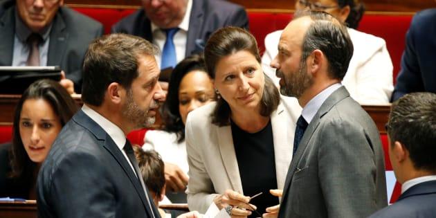 Le premier ministre Edouard Philippe avec la ministre de la Santé Agnès Buzyn et le secrétaire d'Etat aux Relations avec le Parlement Christophe Castaner.