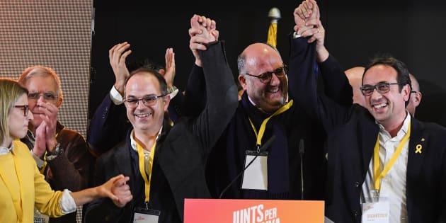 Candidats célébrant une conférence de presse après les élections régionales catalanes le 21 décembre 2017 à Barcelone, Espagne.