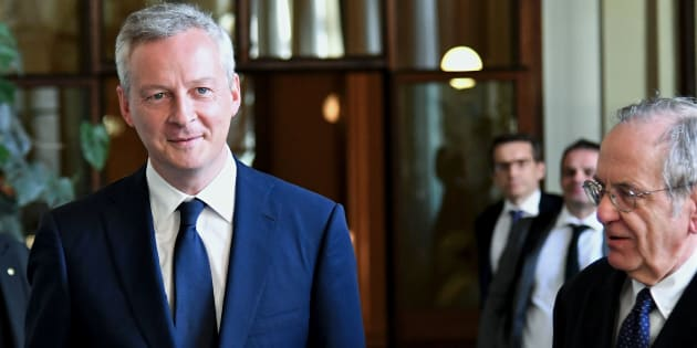 Italy's Minister of the Economy and Finance Pier Carlo Padoan (R) welcomes his French counterpart Bruno Le Maire in Rome on August 1, 2017.