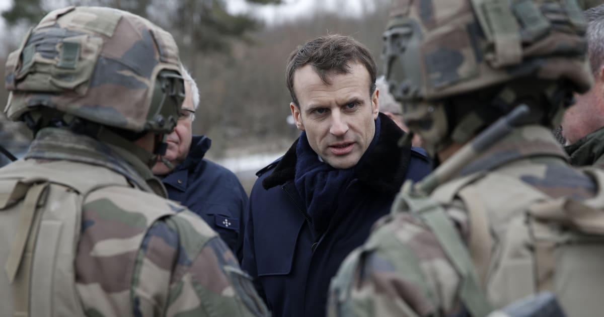 """BLOG - Ce service militaire voulu par Macron qui vise à rétablir """"l'amour du pays"""" chez les jeunes"""