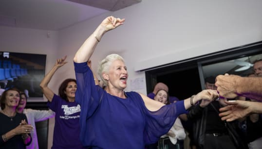 Kerryn Phelps Wins Turnbull's Old Seat And Forces Government Into