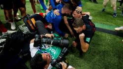 Coupe du monde : un photographe enseveli sous des joueurs