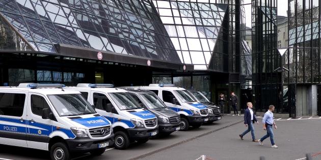 """Perquisizioni nel quartier generale di Deutsche Bank a Francoforte :  """"Aiuti ai clienti a riciclare soldi in paradisi fiscali"""""""