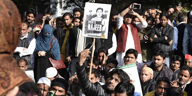 JNU students with people from different organisations, during a protest march and dharna against Delhi Police over missing JNU student Najeeb Ahmed at Jantar Mantar, on December 14, 2016.