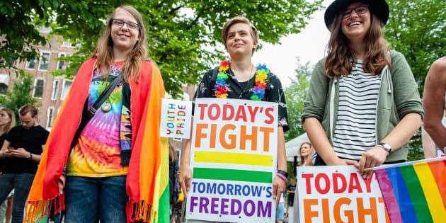 Pour que l'homosexualité ne soit plus considérée comme un crime nulle part, il faut changer les esprits et les coeurs.