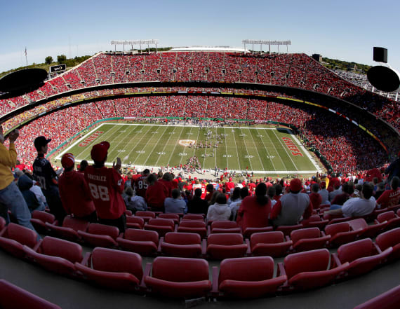 Which NFL teams have plans for fans this season?