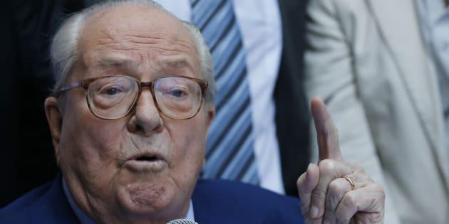 """Le Pen sera jugé """"provocation à la haine raciale"""" après ses propos sur """"la fournée""""."""