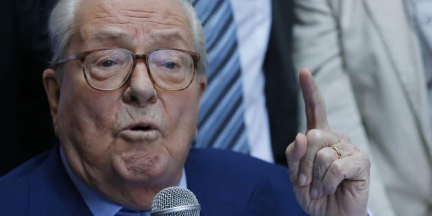 France Mémoires de Le Pen: épuisées avant parution