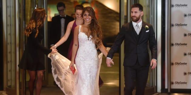 Leo Messi y su esposa, Antonela Roccuzzo, en la fiesta posterior a su enlace.