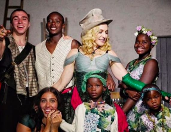 Madonna shares rare family photo with all 6 kids