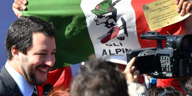 """""""Nous dénonçons l'appel au fichage racial des Roms et la politique criminelle de Salvini."""""""