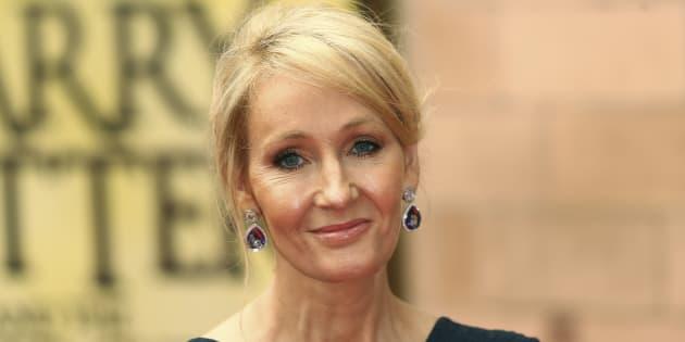 """J.K. Rowling à Londres, lors d'une représentation de """"Harry Potter et l'Enfant Maudit"""" (Juillet 2016)"""