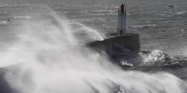 Tempête Carmen: Des rafales de 140 km/h attendues en Corse et sur la façade atlantique