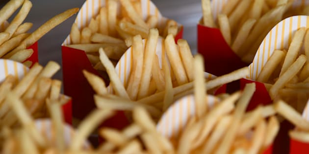 Batatas do McDonald's levam 4 ingredientes; veja como elas são feitas
