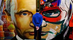 Poutine en Père Noël et Superman: une expo à Moscou rend hommage à