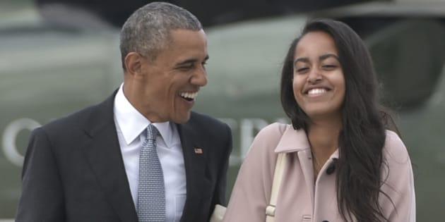 Barack Obama et Malia quittent Chicago à bord de l'Air Force One, le 7 avril 2016.